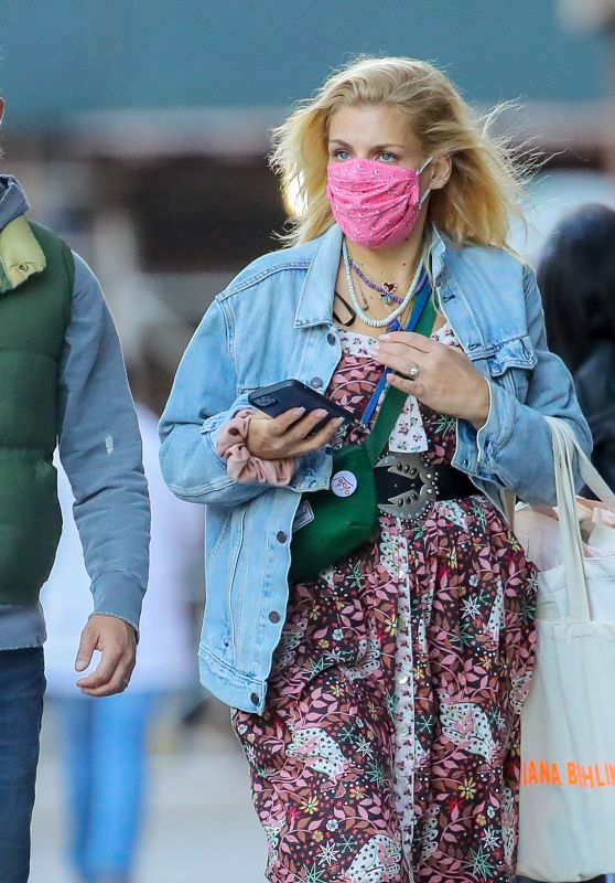 Busy Philipps With Her Husband Marc Silverstein in NYC 10/18/2020