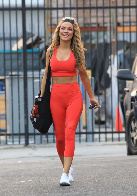Chrishell Stause – Heads Into Pratice at the DWTS Studio in LA 10/08/2020
