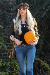 Christine Quinn - Pumpkin Patch in Hollywood 10/22/2020