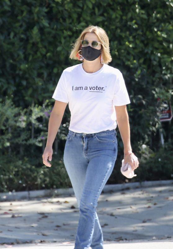 Cobie Smulders Street Style - Los Angeles 10/14/2020