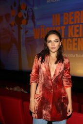 "Emma Drogunova - ""In Berlin Wächst Kein Orangenbaum"" Premiere in Berlin 09/24/2020"