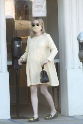 Emma Roberts - Getting Coffee in Los Angeles 09/30/2020