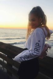 Faith Schroder - Photos and Videos 10/01/2020