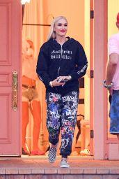 "Gwen Stefani Wearing an ""Anaheim Hilbilies"" Hoodie"" - Woodland Hills 10/01/2020"