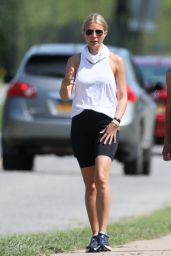 Gwyneth Paltrow - Exercise in the Hamptons 09/07/2020