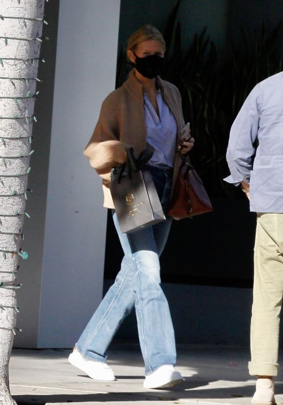 Gwyneth Paltrow - Out in Beverly Hills 10/28/2020