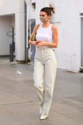 Hailey Bieber and Kendall Jenner - Shopping in Los Angeles 10/07/2020