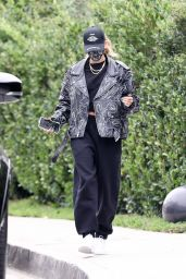 Hailey Bieber - Out in Beverly Hills 10/24/2020