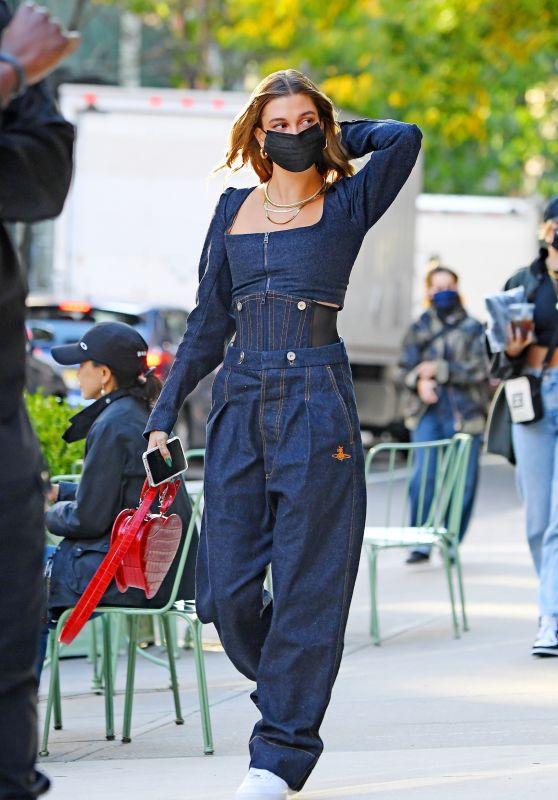 Hailey Bieber Street Style - New York City 10/15/2020