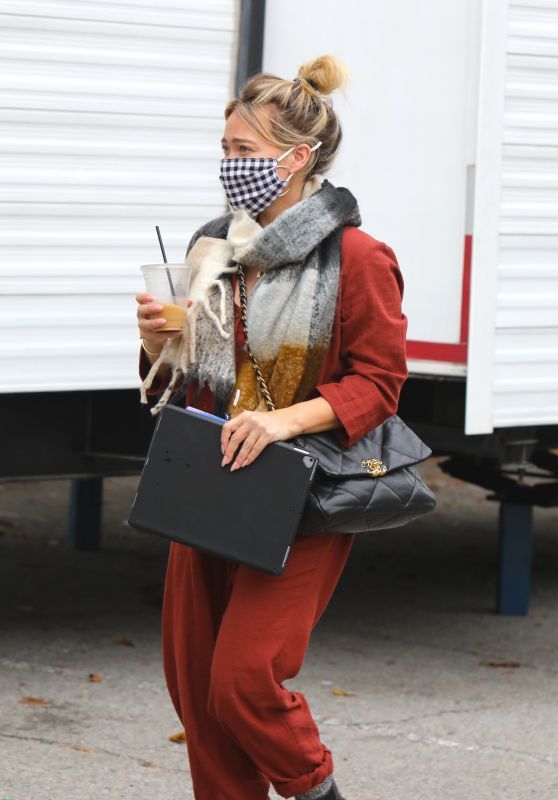 """Hilary Duff  - """"Younger"""" Set in NYC 10/22/2020"""