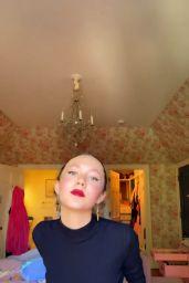 Iris Apatow - Social Media Photos 10/09/2020