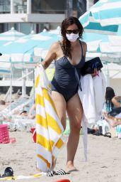 Jennifer Garner in a Swimsuit on the Beach in Malibu 10/03/2020