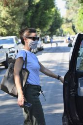 Jennifer Garner - Out in Brentwood 10/01/2020