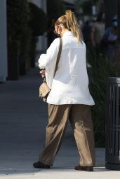 Jennifer Lopez in Oversized Cream Blouse - Rodeo Drive in Beverly Hills 10/17/2020