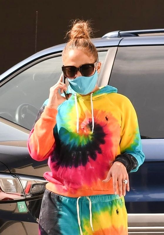Jennifer Lopez - Leaving a Gucci Store in Beverly Hills 10/10/2020