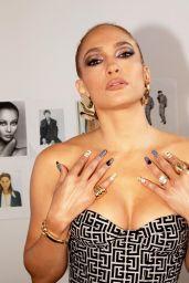 Jennifer Lopez Outfit - Instagram 10/12/2020