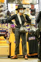 Jessica Alba - Shops for Halloween Costumes in Westwood 10/27/2020