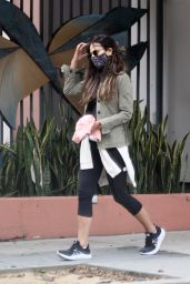 Jordana Brewster at Blue Bottle in Brentwood 10/22/2020
