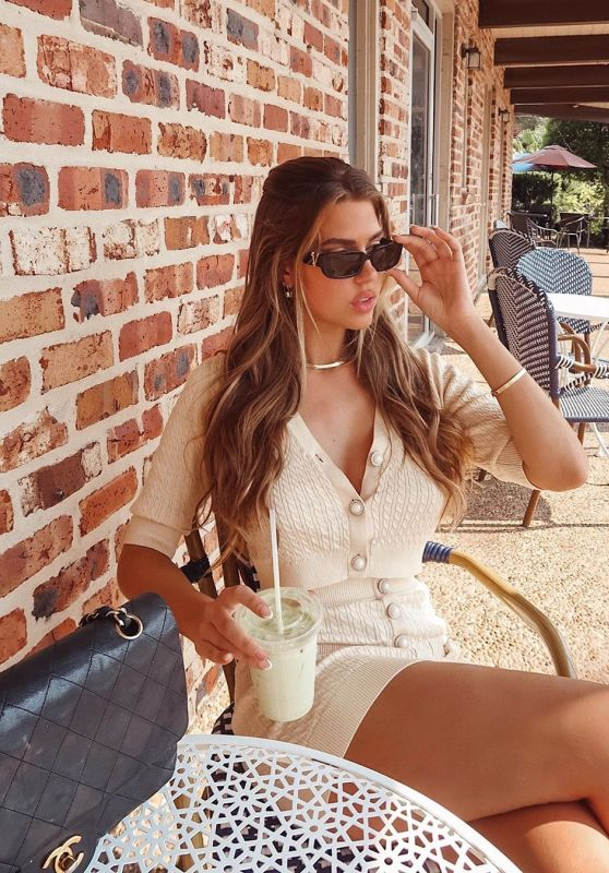 Kara Del Toro – Social Media Photos and Videos 10/06/2020