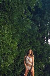 Kate Beckinsale - Social Media Photos 10/05/2020