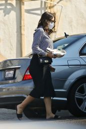 Katharine McPhee - Grabs Lunch at Sweetgreen in Studio City 10/04/2020