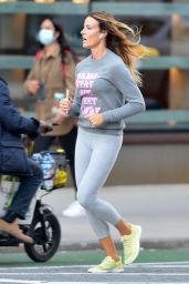 Kelly Bensimon in a Sporty Workout Outfit - NYC 10/11/2020
