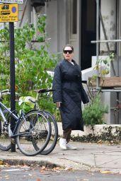 Kelly Brook Makeup-Free in an Oversized Black Coat - London 10/06/2020