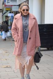 Kelly Brook - Outside Global Radio in London 10/22/2020