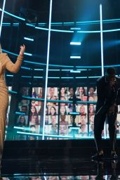 Kelly Clarkson – 2020 Billboard Music Awards