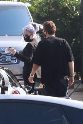 Kelly Osbourne - Meeting With Jeff Beacher in Malibu 10/11/2020