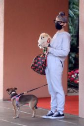 Kelly Osbourne - Takes Her Dogs to the Beverly Hills Hotel 10/26/2020