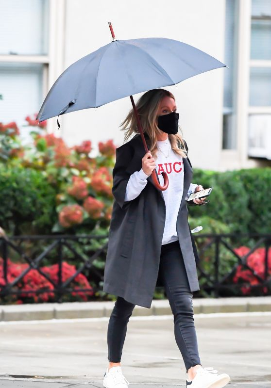 Kelly Ripa - Out in New York 10/29/2020