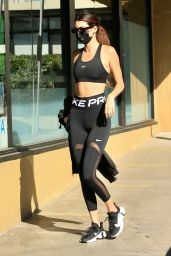 Kendall Jenner at Earth Bar in West Hollywood 10/27/2020