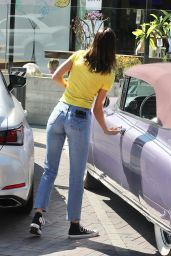 Kendall Jenner - Stops at a Gas Station in Malibu 10/12/2020