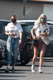 Kristen Stewart - Grocery Shopping With Girlfriend Dylan Meyer at Gelson