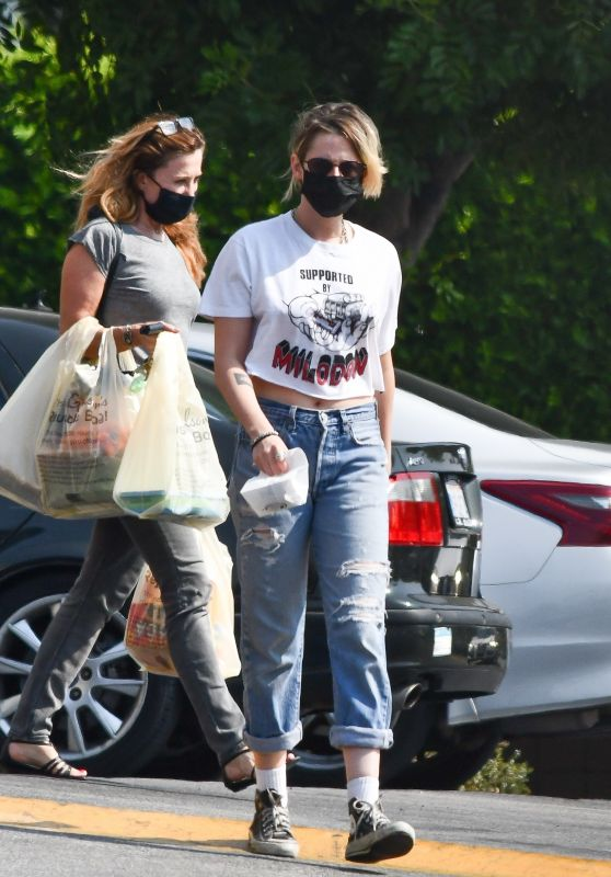 Kristen Stewart - Grocery Shopping With Girlfriend Dylan Meyer at Gelson