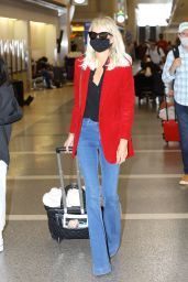 Laeticia Hallyday - Airport in LA 10/11/2020