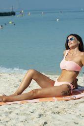 Laura Anderson in a Bikini - Beach in Dubai 10/03/2020