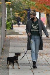 Lili Reinhart Autumn Street Style - Vancouver 10/17/2020