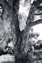 Lucy Boynton - Chloé Signature Rose Tangerine 2020