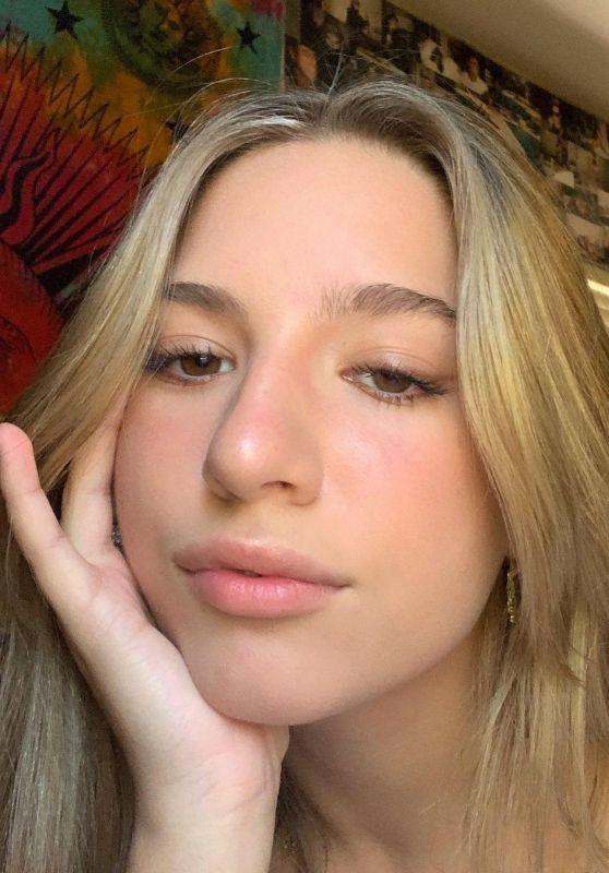 Mackenzie Ziegler - Live Stream Video and Photos 10/15/2020