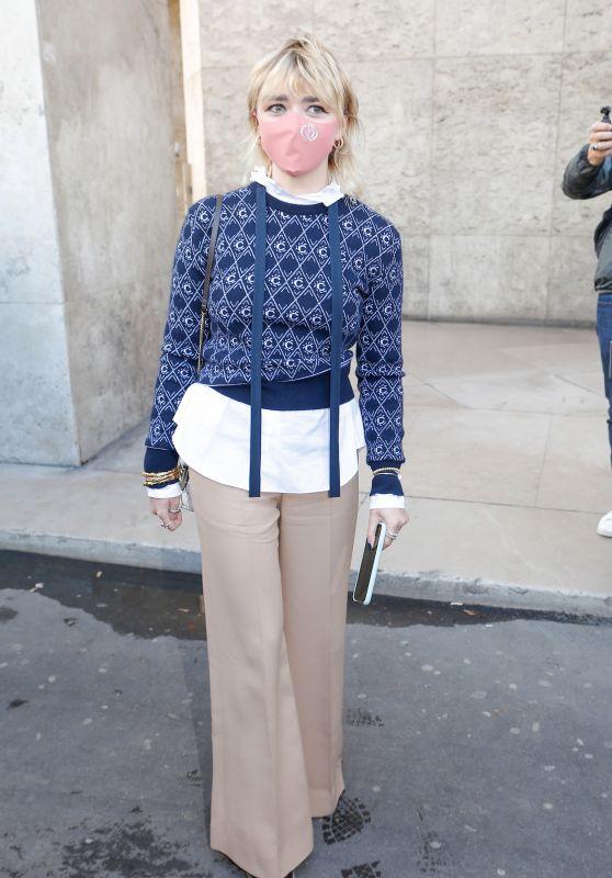 Maisie Williams - Leaving the Chloe Show in Paris 10/01/2020