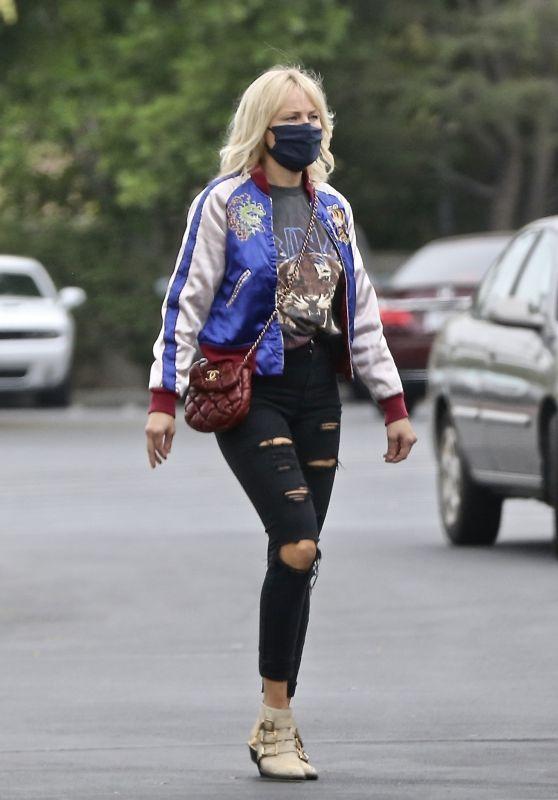 Malin Akerman Street Style - Costco in Los Angeles 10/22/2020
