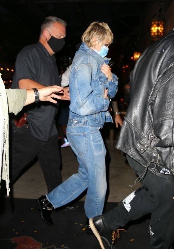 Miley Cyrus - Arriving at the Bowery in NY 09/30/2020