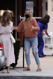 Molly Sims in Ripped Jeans - Santa Monica 10/24/2020