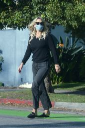 Molly Sims Street Style 10/16/2020