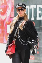 Nicky Hilton and Paris Hilton - Shopping in Manhattan