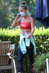 Nina Agdal in Workout Outfit in The Hamptons 10/04/2020
