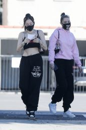 Noah Cyrus - Shopping for Jewelry at XIV Karats Store in Beverly Hills 10/30/2020