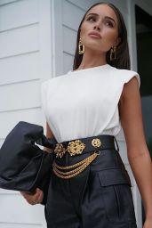 Olivia Culpo Outfit 10/23/2020